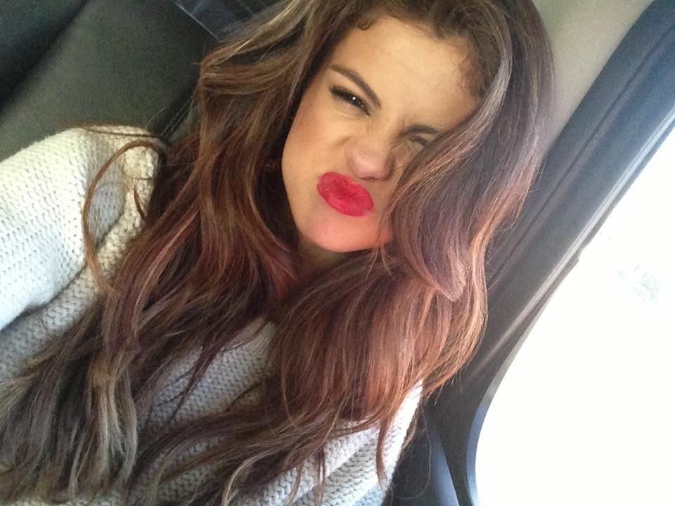 #red #lips #SelenaGomez