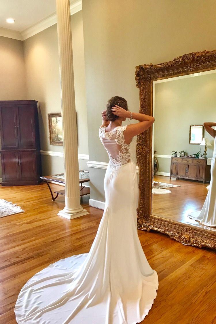 Customize Wedding Dresses Bridal Boutique Tuscaloosa Northport Alabama Bama Br Glamorous Wedding Gowns Wedding Gowns Mermaid Amazing Wedding Dress