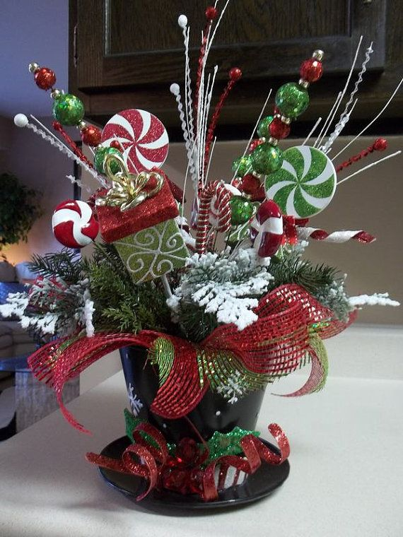 Top Hat Festive Holiday Tabletop By Decorclassicflorals On Etsy Christmas Centerpieces Diy Christmas Table Centerpieces Christmas Centers