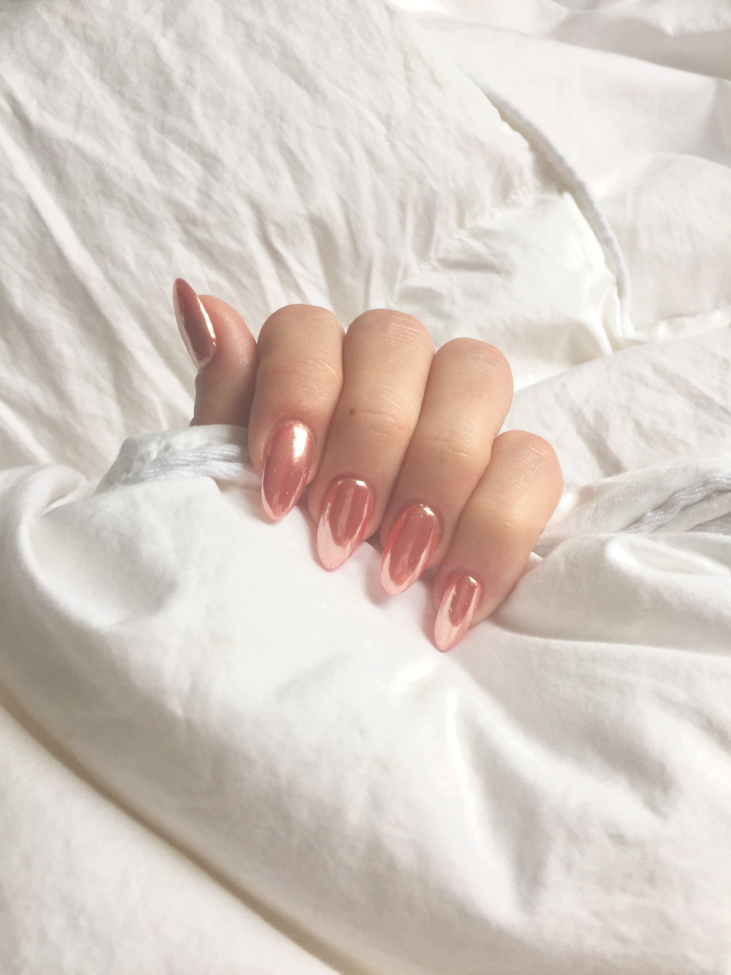 Pink rose gold chrome nails manicure Almond nails http://hubz.info ...