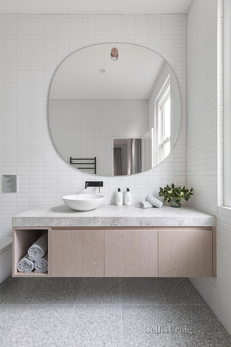 17 Fresh Inspiring Bathroom Mirror Ideas To Shake Up Your Morning Lipstick Routine Bathroom Mirror Design Bathroom Interior Bathroom Decor