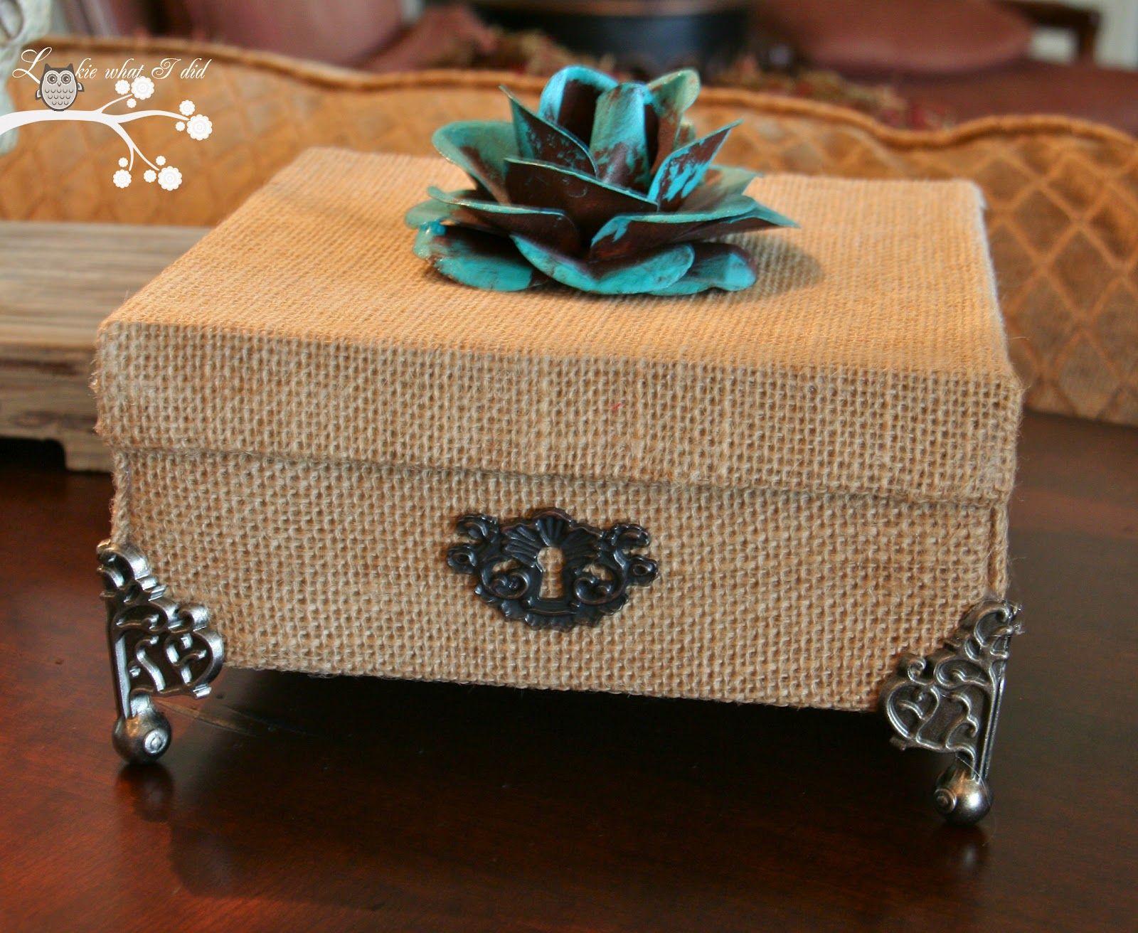 Toile de jute*m@*Burlap Cardboard Box Transformation with Burlap {Tutorial}