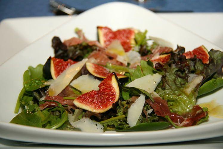 Recette de Salade d'automne aux figues fraiches : la recette facile #saladeautomne