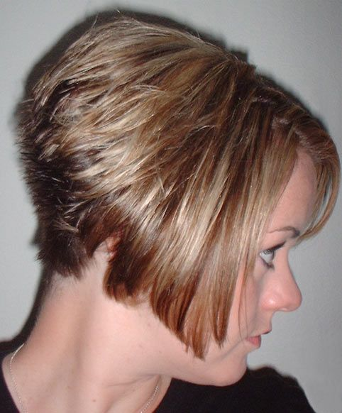 Love This Haircut W It S A Line Layered Bob In The Front And