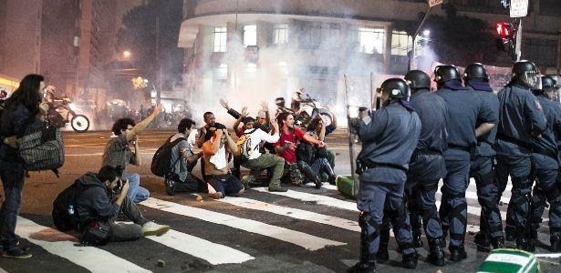 Onda de protestos cresce e leva mais de 250 mil brasileiros às ruas de norte a sul do país - Notícias - Cotidiano