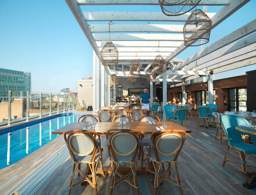 The Curtain Retractable Roof London Uk Retractable Roof Glass Enclosure Rooftop