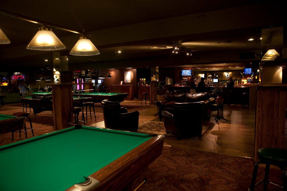 Plan for your success in the pool hall and bar business