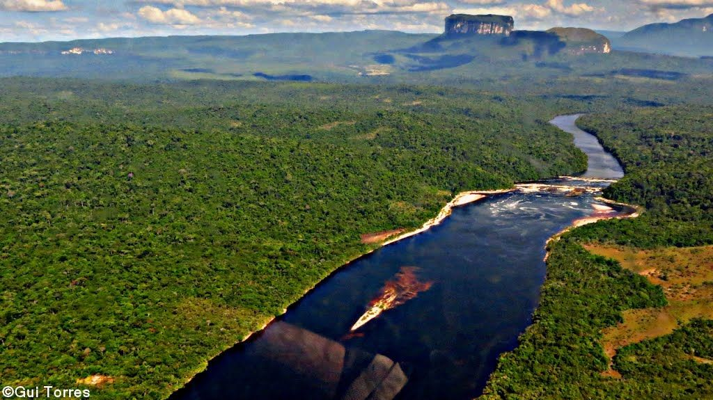 Bolívar, municipio Angostura (Raúl Leoni), Parque Nacional Canaima - sector occidental.(UNESCO Heritage Site in Venezuela)