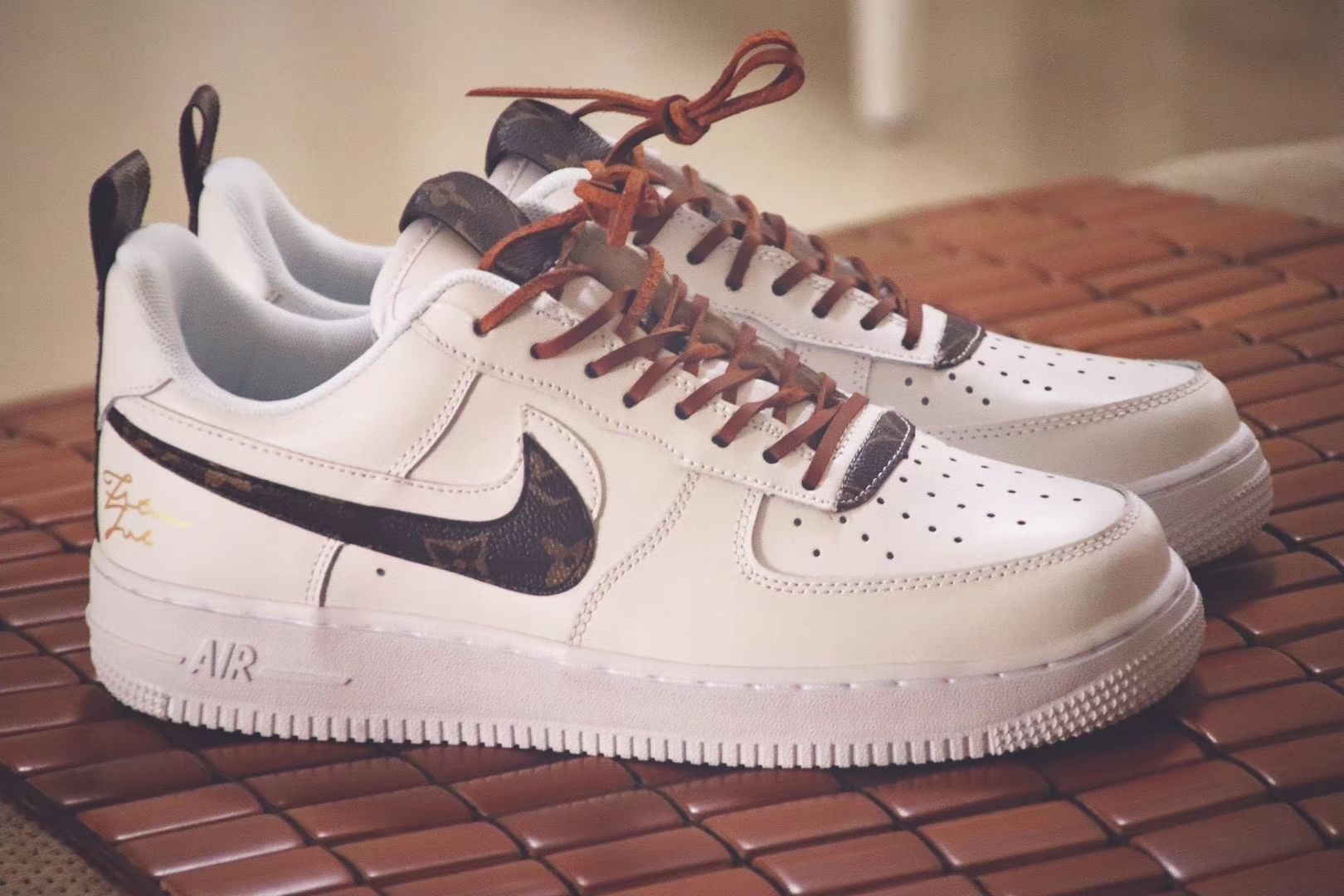 64f123c9e0a50f Custom Air Force 1 Low Louis Vuitton Monogram Nike AF1 LV