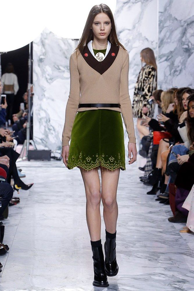 Carven Fall 2016 Ready-to-Wear Fashion Show
