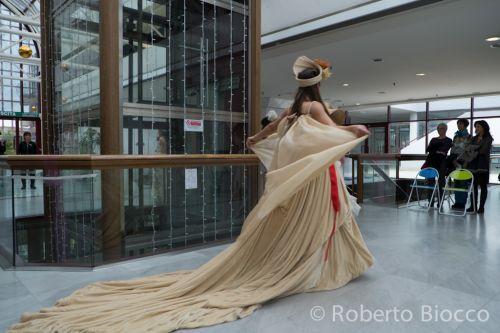 Alcuni momenti delle sfilate danzanti dell'Atelier Ceraunavolta all'interno dello store COIN  e del Centro Commerciale CinecittàDue