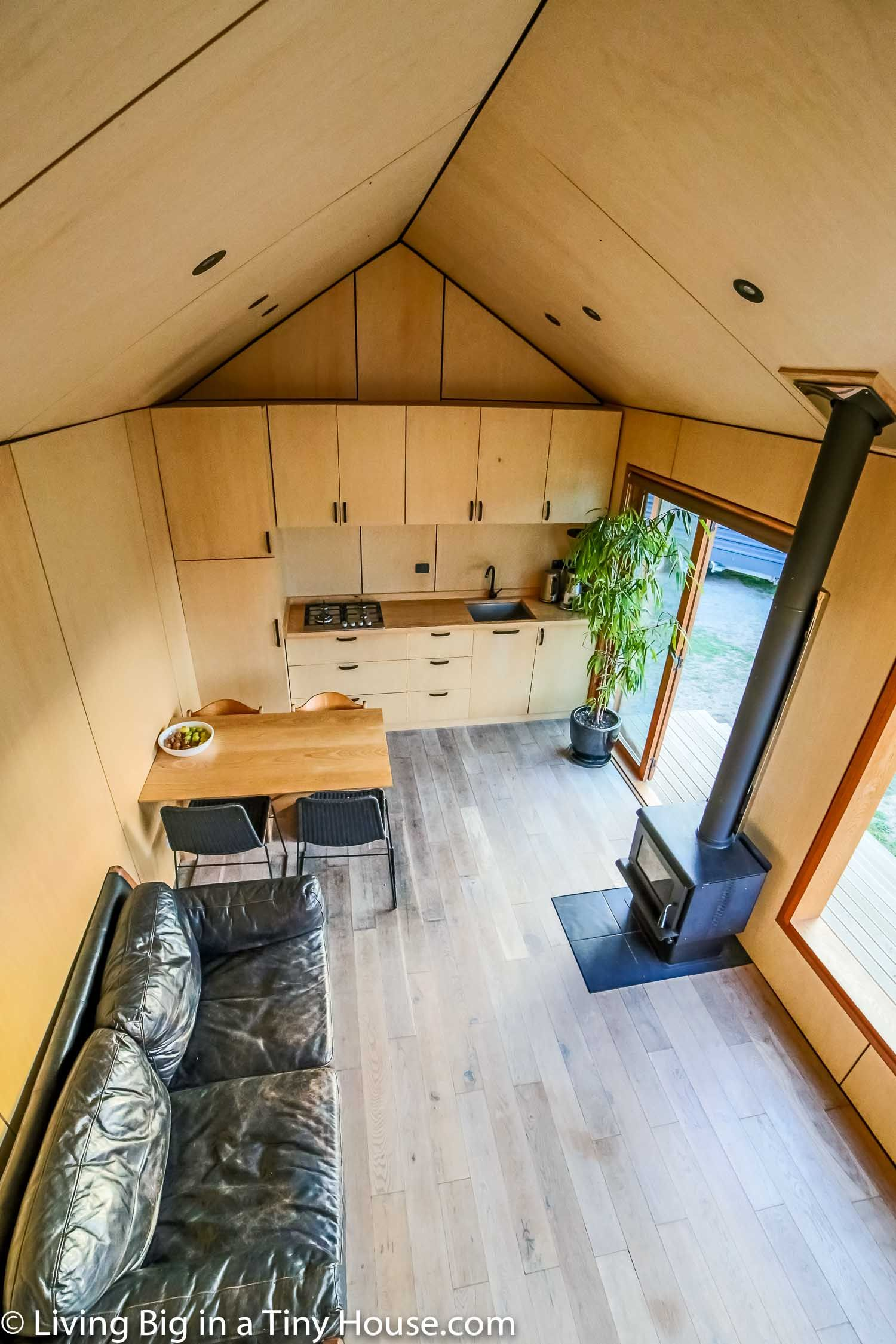 Family Of 5 S Modern Tiny House Packed With Clever Design Ideas Living Big In A Tiny House Modern Tiny House Tiny House Bathroom Tiny House Design