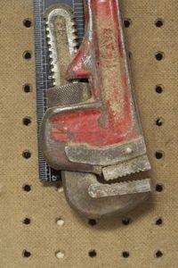 How to Make Homemade Metal Pipe Cutting Tools | Homesteady #homemadetools