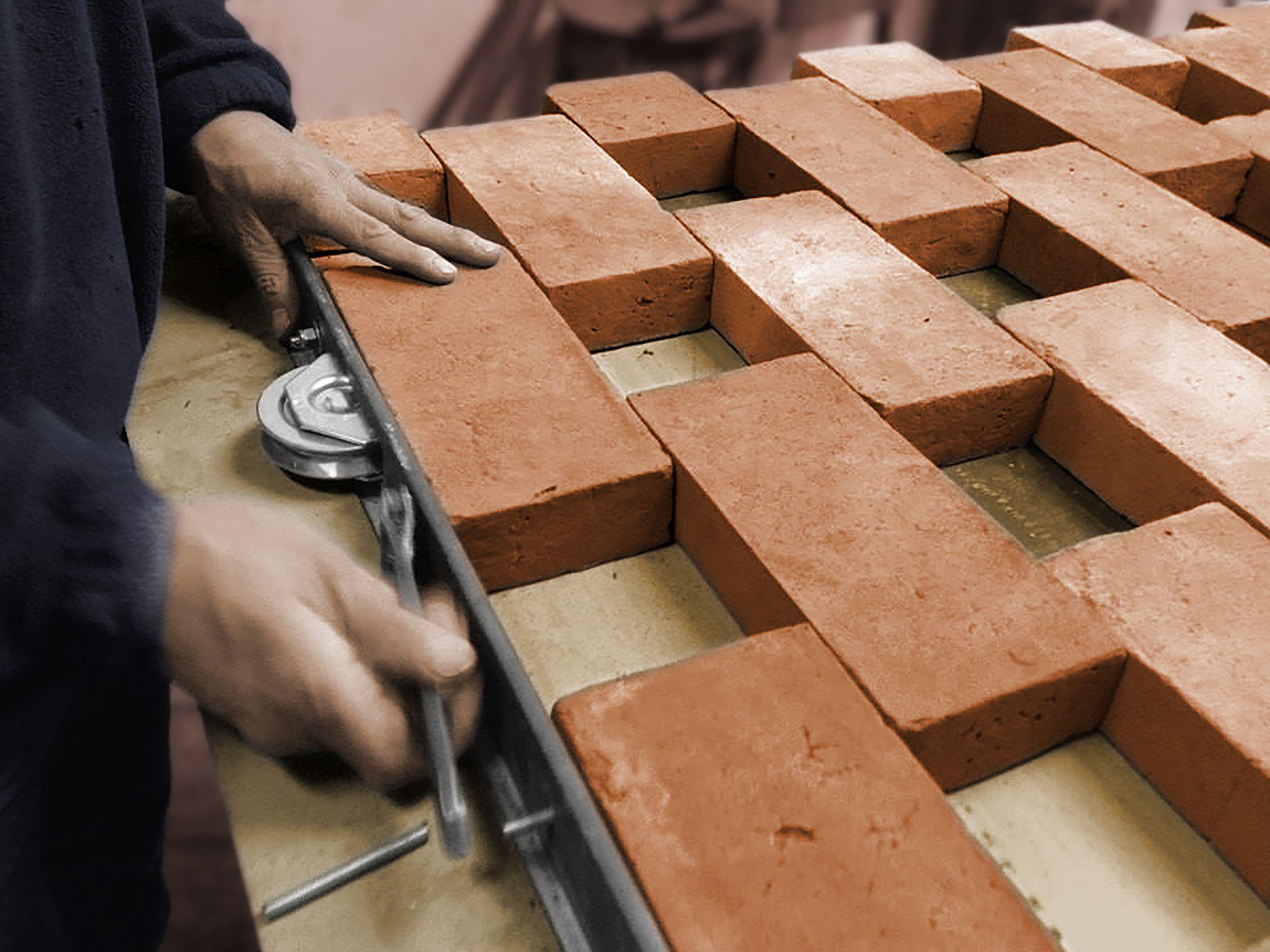 Die beweglichen Elemente erhielten Rollen better brickwork Ziegel design, Mauerwerk und  ~ 18031254_Backstein Mauerwerk Brandschutz