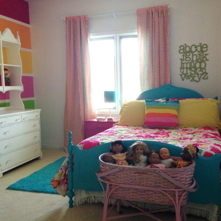 Rainbow Bedroom: Happy Rainbow Room! I Love The Basket For Dolls And