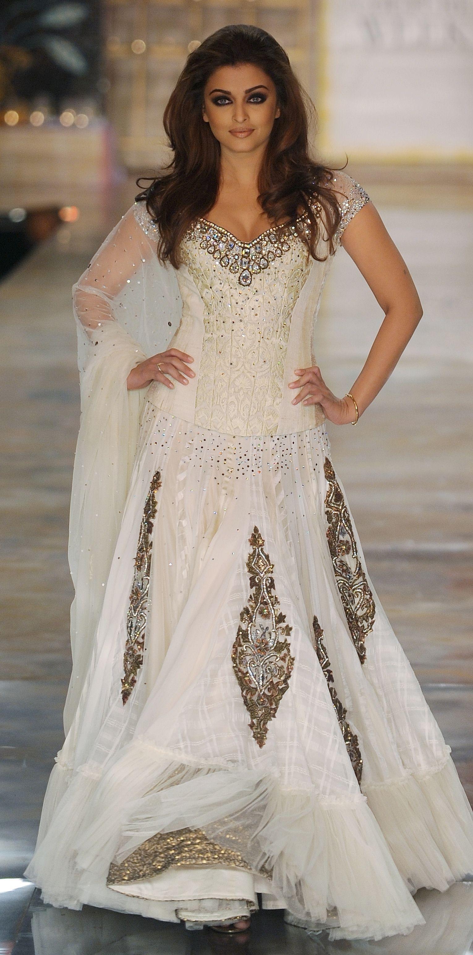 Aishwarya rai wedding dress  Manish Malhotra  lehengabridalseason  Pinterest  Manish
