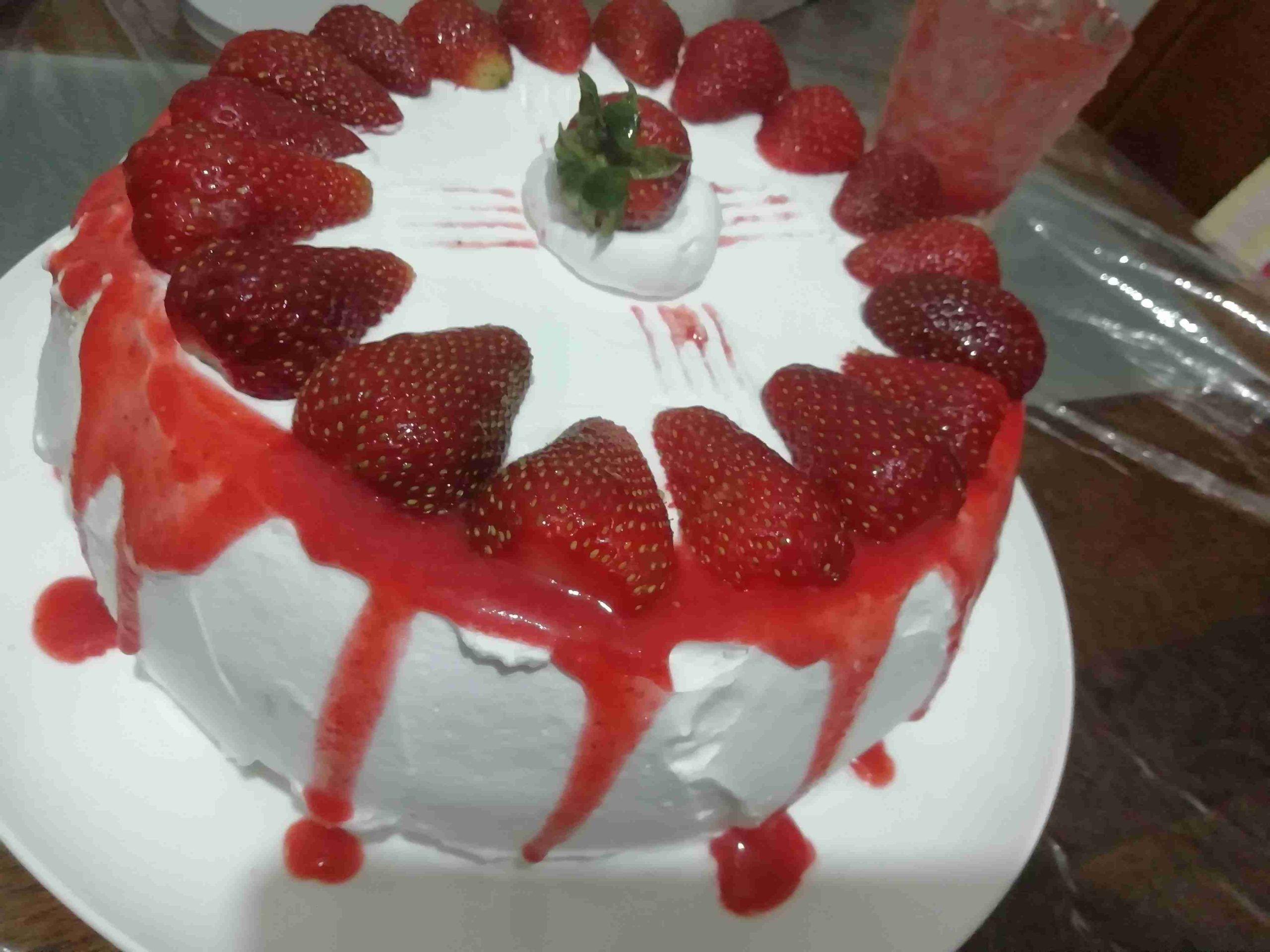 كيكة الفراولة ملكة الكيك زاكي Desserts Cake Food