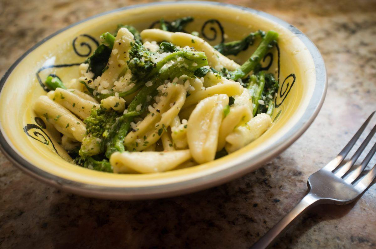 Recipe Pasta Con Rabe Rapini Italian Sons And Daughters Of America Broccoli Recipes Cavatelli And Broccoli Italian Recipes