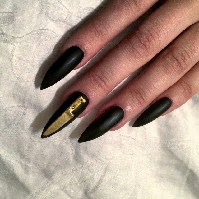 Black stiletto nails with knife | nails | Pinterest | Black stiletto ...