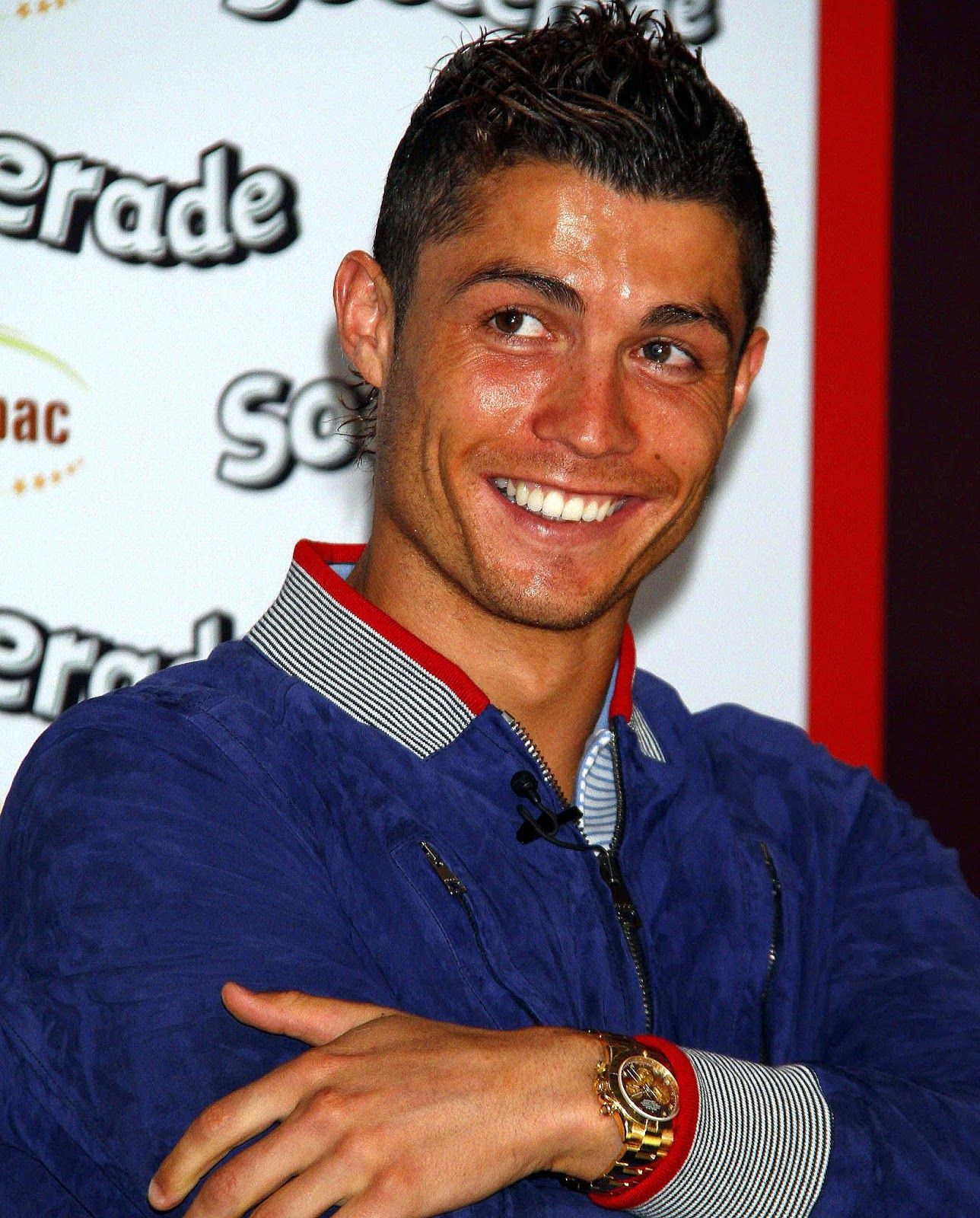 Check Out Cristiano Ronaldo Wearing His Yellow Gold Rolex Daytona