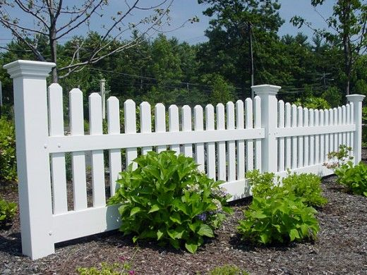 Home Remodeling Improvement Scalloped White Picket Fence Vinyl Too Great Design Ideas Vinyl Fence Landscaping White Picket Fence Fence Design