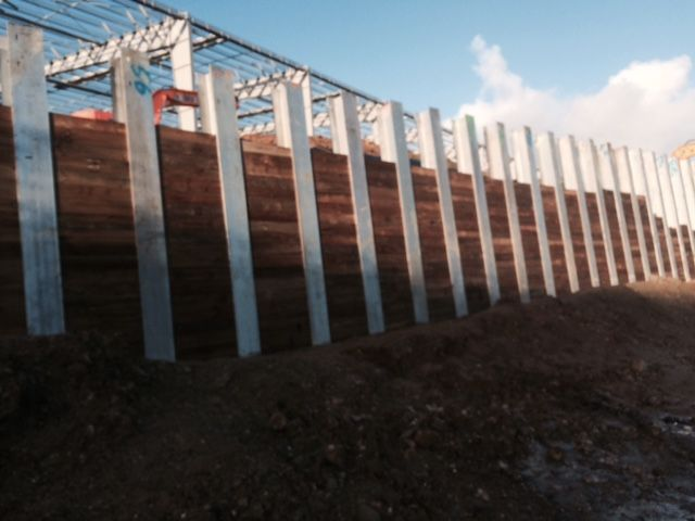 Cll S 320m I Beam Retaining Wall In Auckland Nz