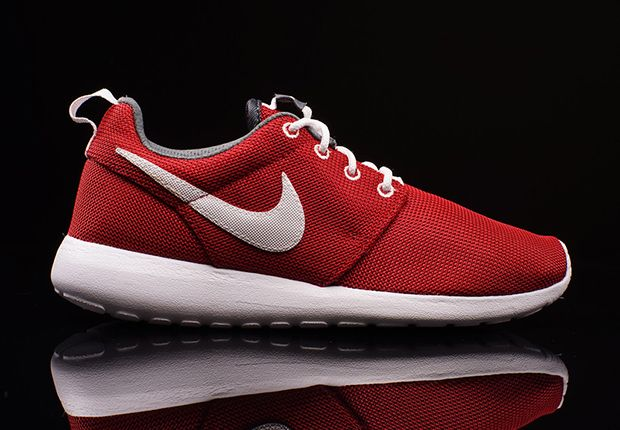 finest selection a426c f2903 Nike Roshe Run GS - Gym Red - White - Dark Grey - SneakerNews.com