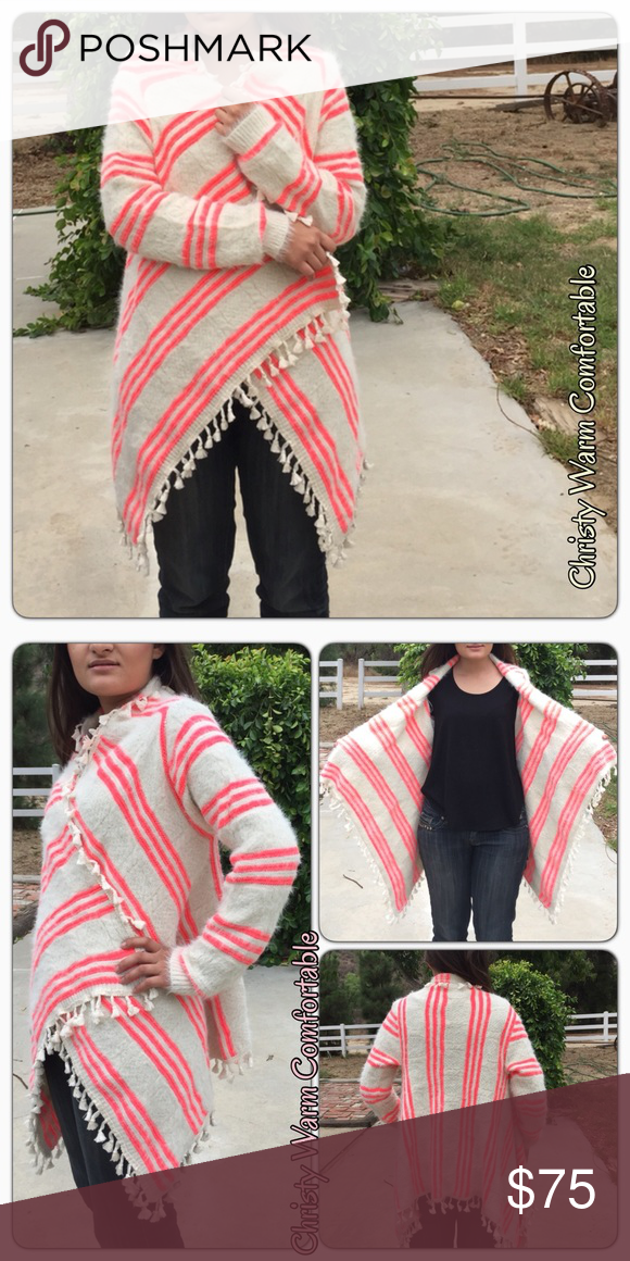 Christi Warm Comfortable Cape Looks like the pictures. Tavoos Fashion Jackets & Coats Capes