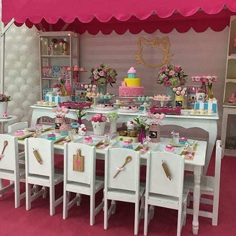 Tema Confeitaria Da Hello Kitty Decoracao Linda Com A Gatinha Mais Do Mundo Decor Chellarebellodecor Buffet Vilaaue