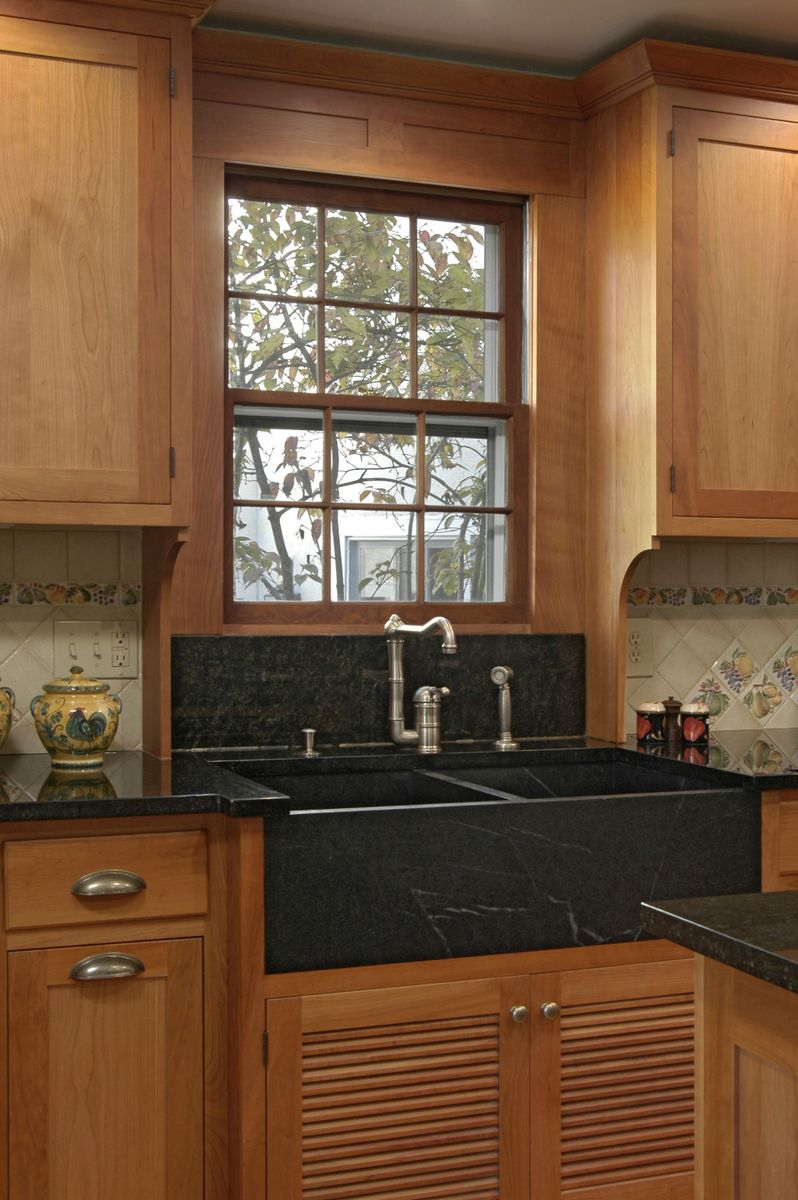Kitchen, hardwood floors, Daniels Design and Remodeling, tan cabinets, open space, luxurious, contemporary, black granite, remodel