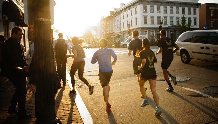 5 Aplikasi Pedometer Terbaik Di Android Untuk Menemani Kamu Lari Orang Lari Pengikut
