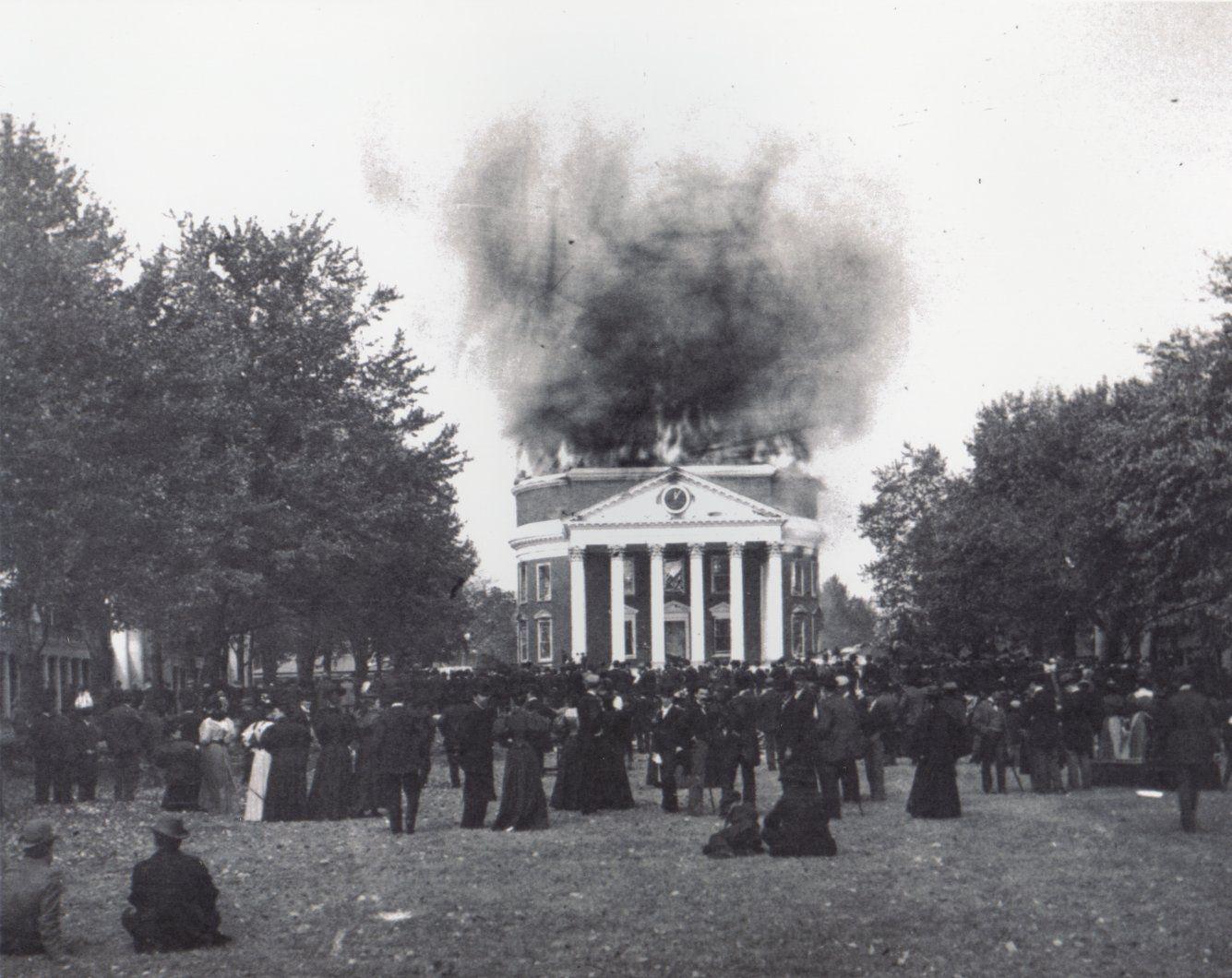 Uva Rotunda On Fire University Of Virginia Virgo University Of Virginia Virginia History Old Time Photos