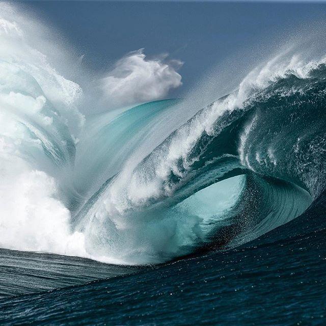 Teahupoo Fury Prints On Wwwbenthouardcom Teahupoo Benthouard - Incredible photographs of crashing ocean waves by ben thouard