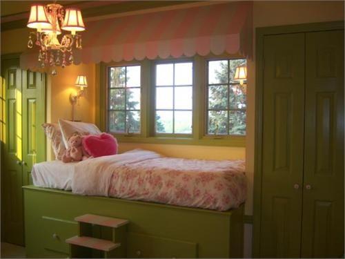 bed built in window seat child's room by anitajuneparker, via Flickr