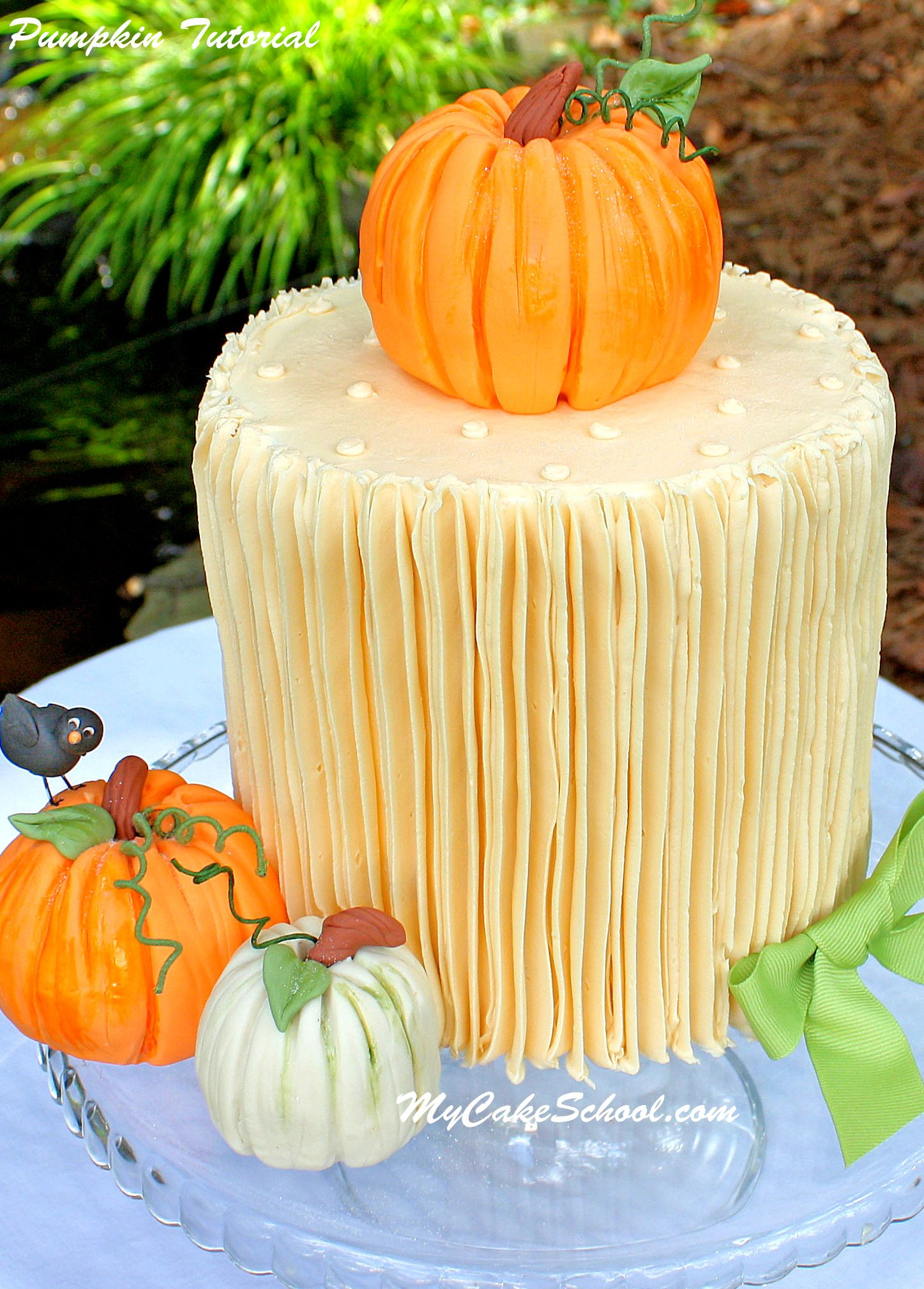 Our Most Favorite Fall And Thanksgiving Cakes Designs Pumpkin Cake Thanksgiving Cakes Cake Decorating Techniques