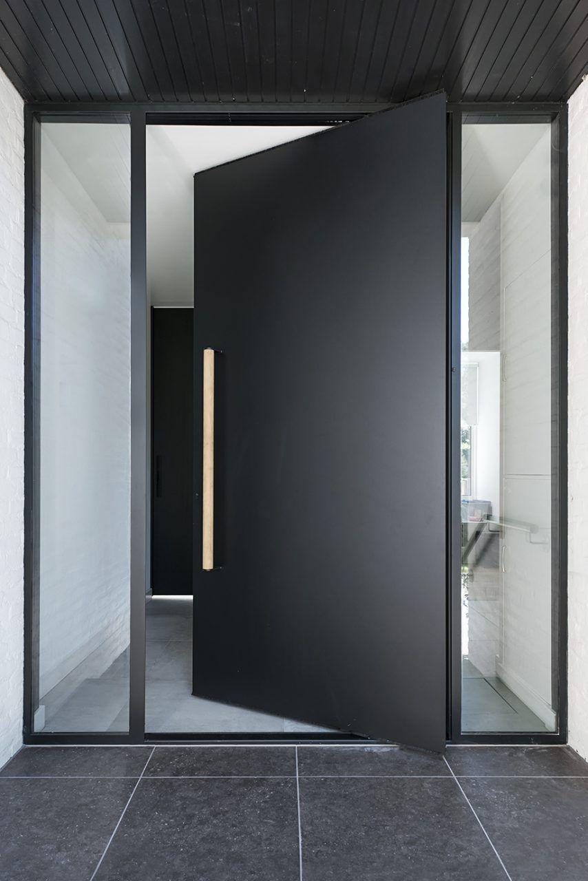 Photo of Bueno   Fotos  modelos de puerta de aluminio  Sugerencias,Puerta pivotante exterior en negro …