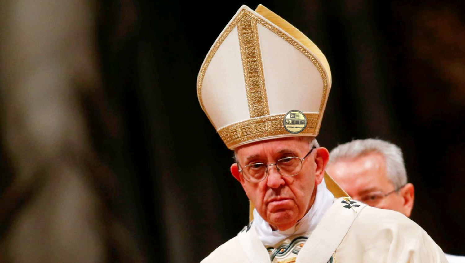 Pope Leaves Factory Sticker On Hat To Garner Street Cred Pope Silly Hats Hats