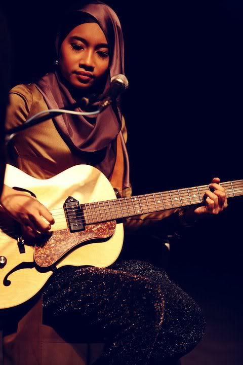 Yunalis Zarai   Music instruments, Guitar, Instruments