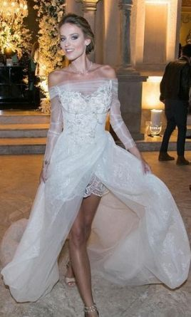Used Galia Lahav Aria Wedding Dress 4 000 Usd It Preowned Now And Save 44 Off The Salon Price