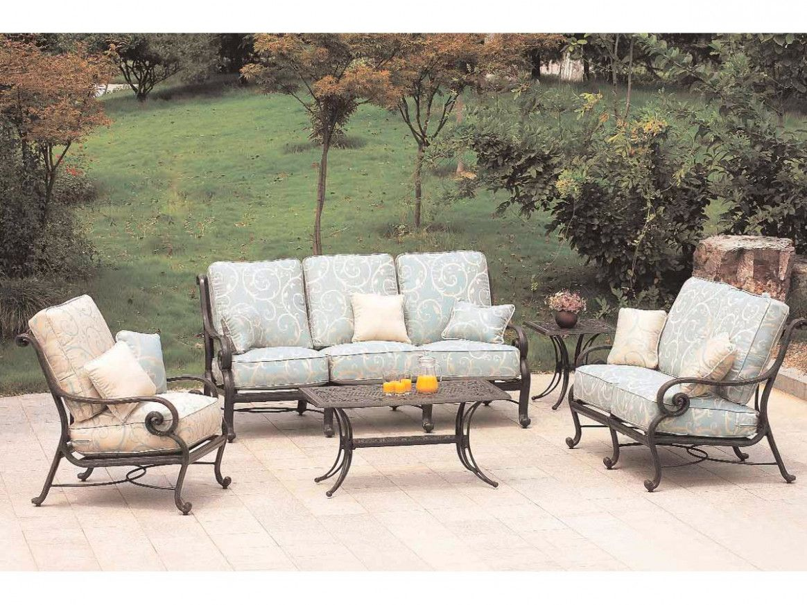 Salon De Jardin En Fer In 2020 Stylish Outdoor Furniture Patio