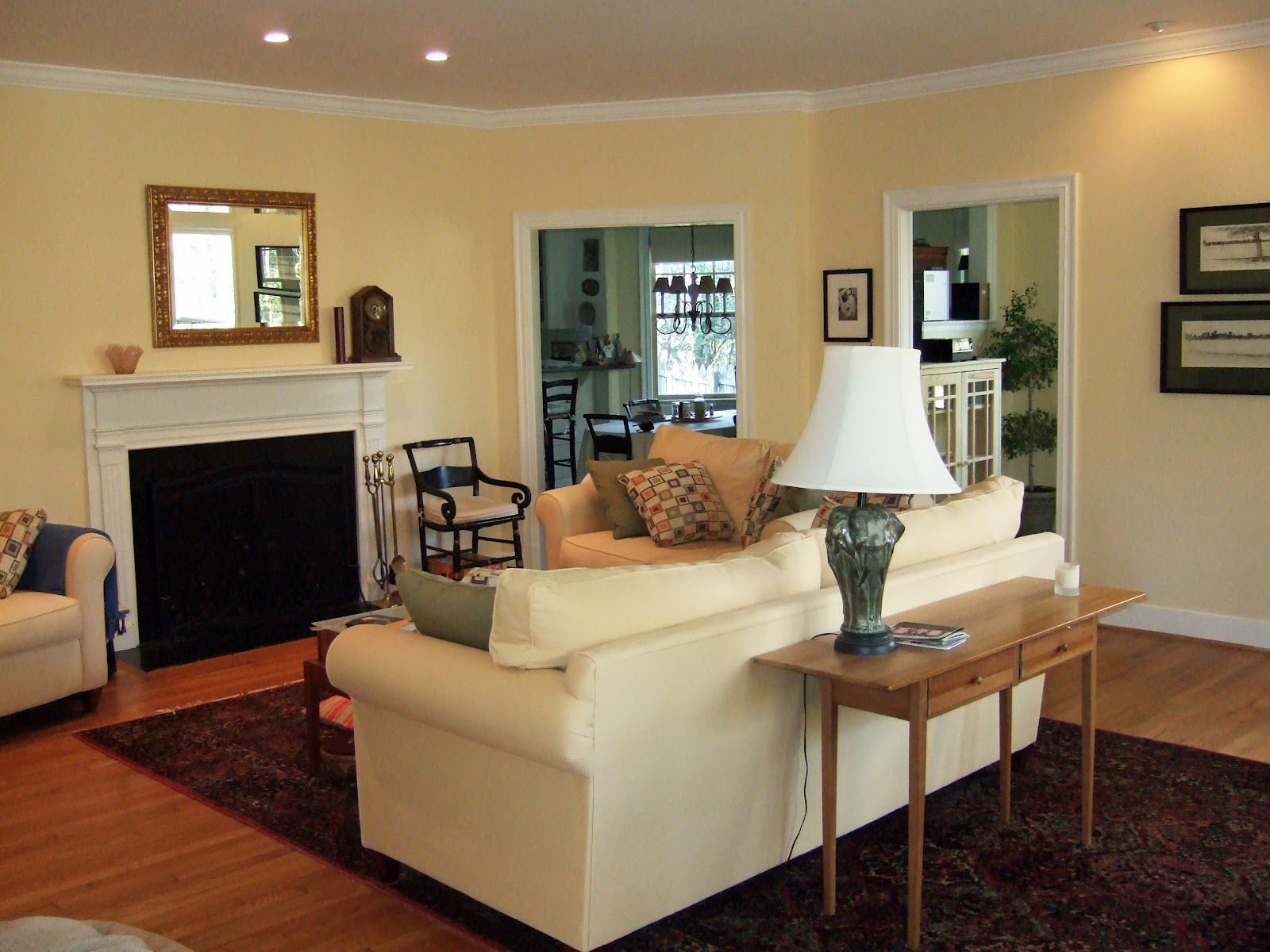 Living Rooms In Creamy Color