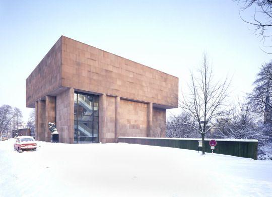 Philip Johnson. Kunsthalle Bielefeld, 1963-1968, Bielefeld, Germany. Photo by Waltraud Krase.