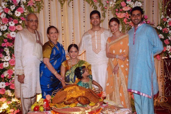 19 Bollywood Stars And Then Lesser Known Siblings Wedding Photo Gallery Aishwarya Rai Wedding Pictures Wedding Photos