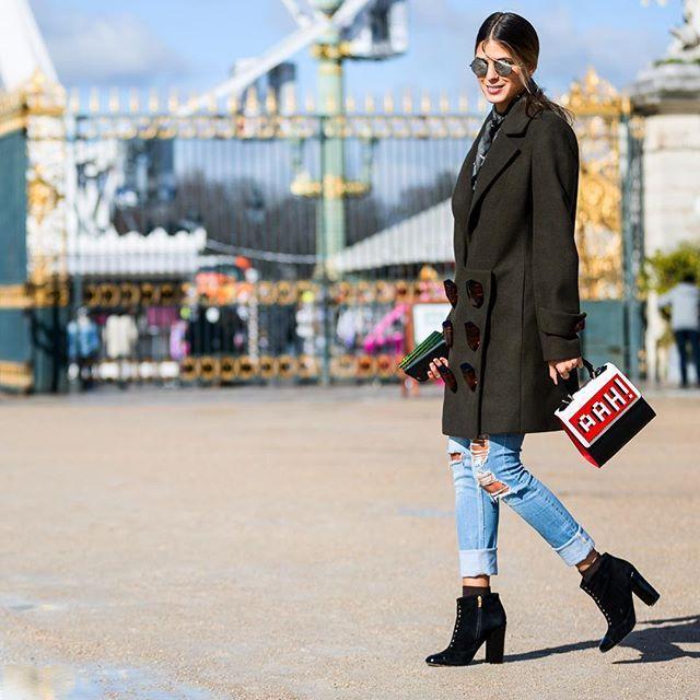 Paris Fashion Week . : @walkingcanucks  #fallfashion #pfw #parisfashionweek #fashionweek #paris #streetstyle #streetfashion #streetsnap #fashion #fall #womensfashion #dailylook #picoftheday #ootd #walkingcanucks #toronto #토론토 #김작가 #김작가의패션위크 #데일리룩 #스트릿패션 #파리 #패션위크 #파리패션위크 #패션피플 #가을패션