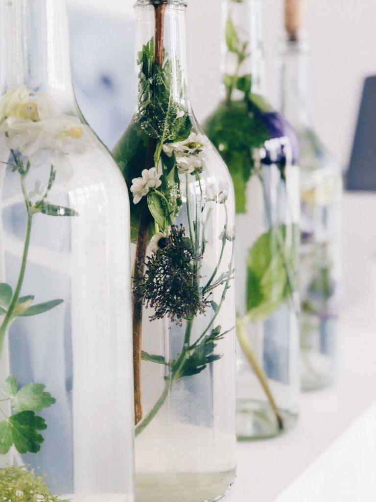 Photo of Enkel blomsterdekorasjon i glassflasker ::: DIY og tanker om bekreftelse – knobz.de