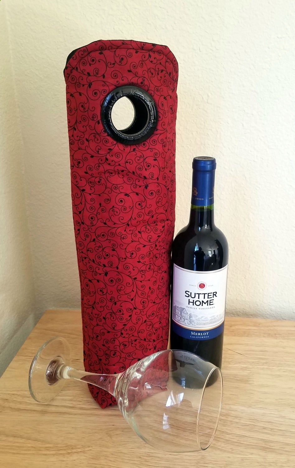 Wine Bags - Black Red Scroll INSULATED Wine Tote, Wine Bag, Champagne Bag, Gift Sack, Hostess Gift, Housewarming Gift