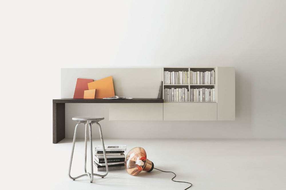 Photo of Angolo studio in soggiorno: integrato nella libreria o in un mobile trasformabile – Cose di Casa