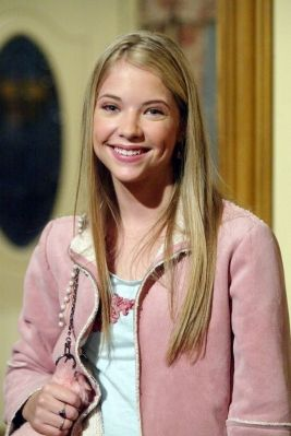 Ashley Benson Played Abby Deveraux Daughter Of Super Couple Jack