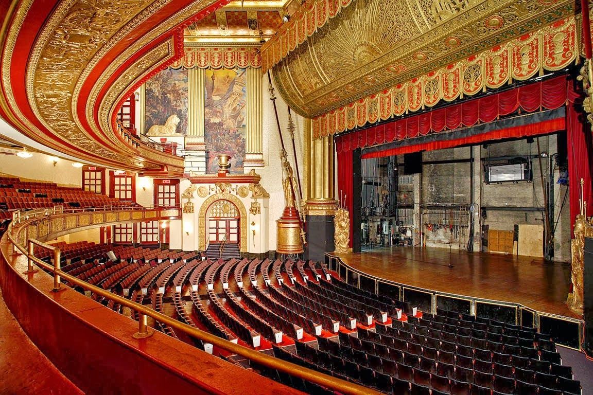 Pin By Robin Mazey On New York Beacon Theater Home Nyc Art Deco Architecture
