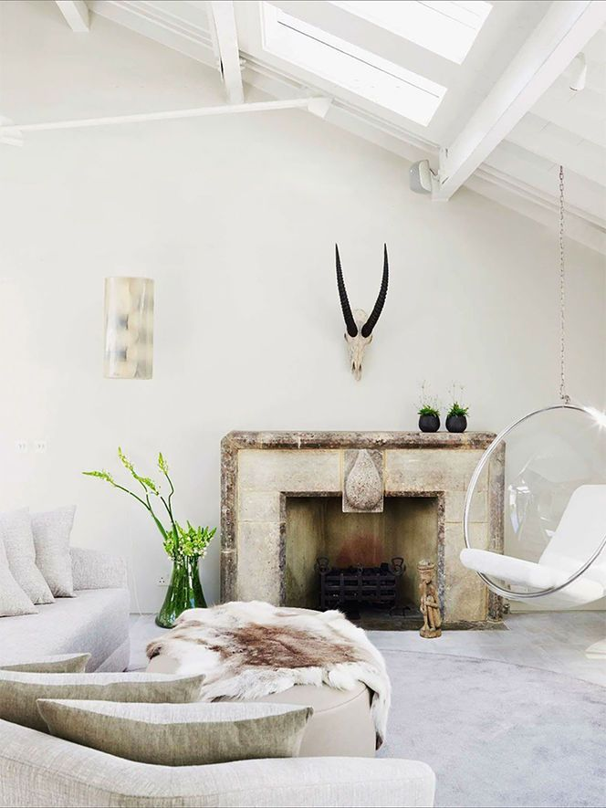 This room has many different details and yet it's calming and inviting.
